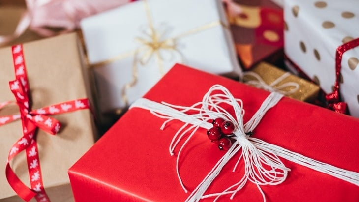 Best Christmas Gift Ideas For The Lady in Your Life