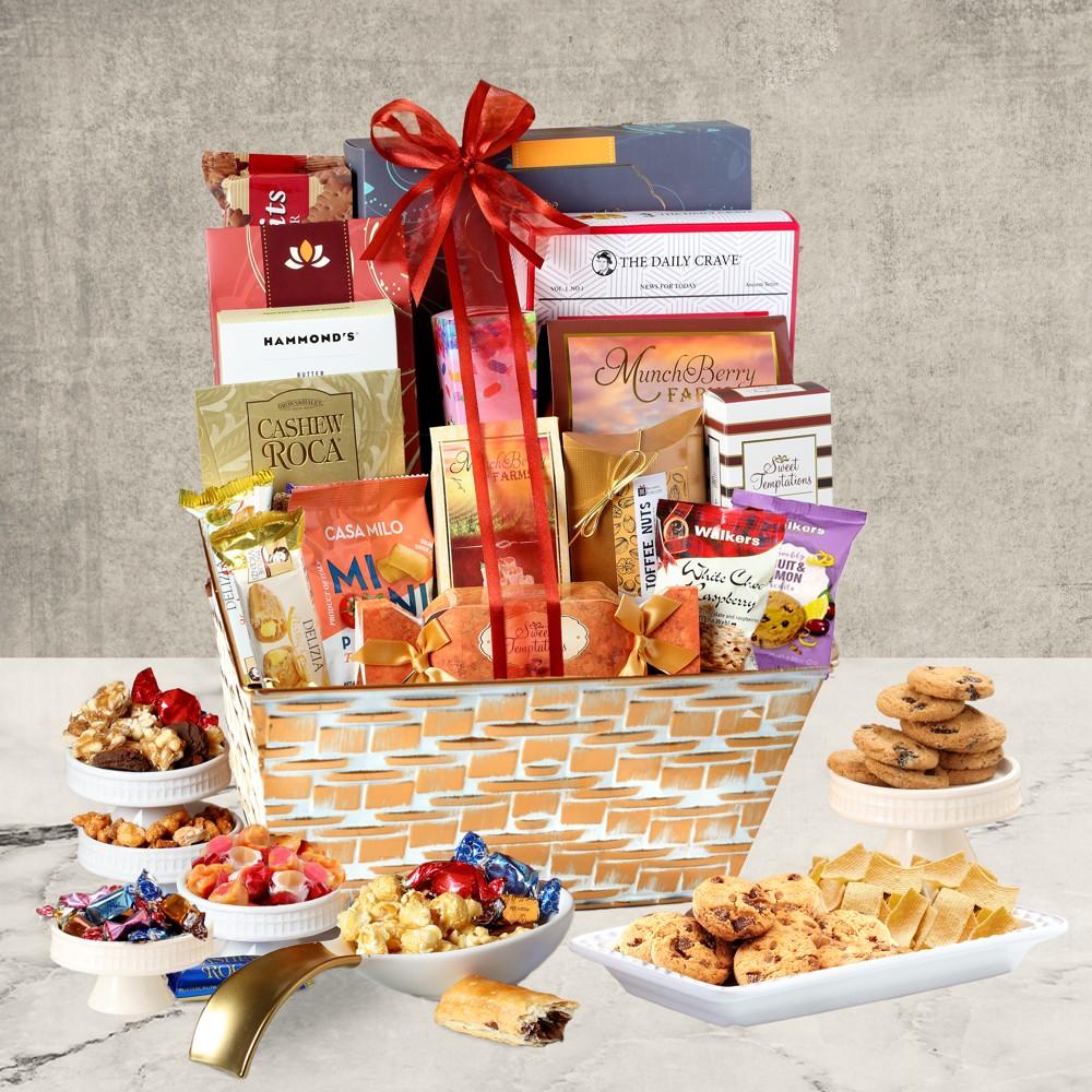 Deluxe Gourmet Wicker Gift Basket