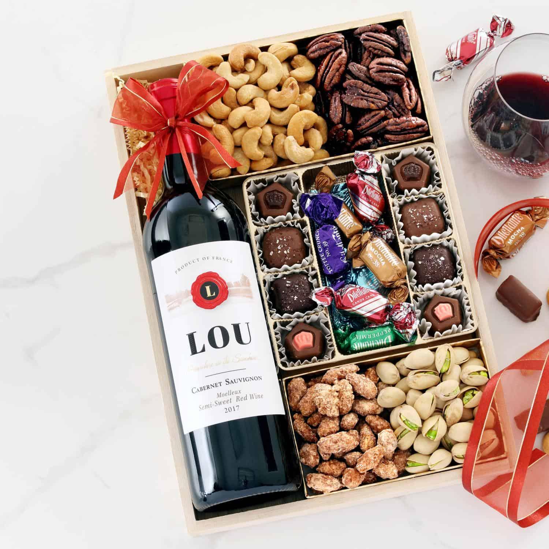 cozy christmas wine gift tray