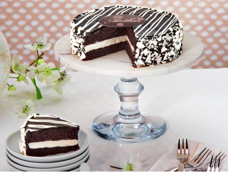 Black and White Mousse Cake for Her