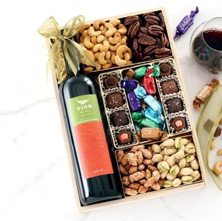 Sweet Seasonal Greetings Wine Gift Tray