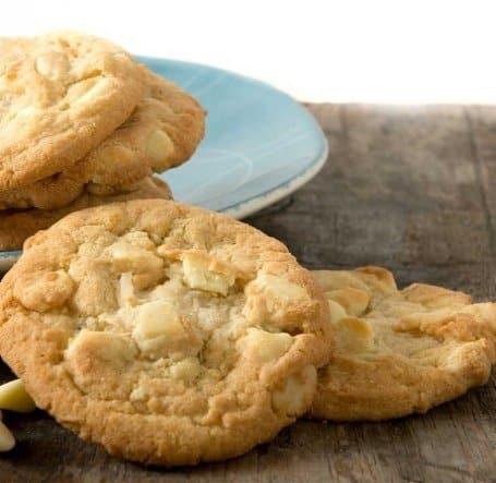 Macadamia White Chunk Cookies