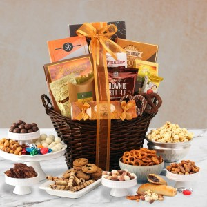 Gourmet Holiday Basket Gourmet Christmas Gift